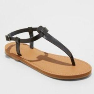 Universal Thread Size 7 or 7.5 Black Sandals